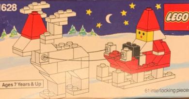 1628: Santa on Sleigh with Reindeer